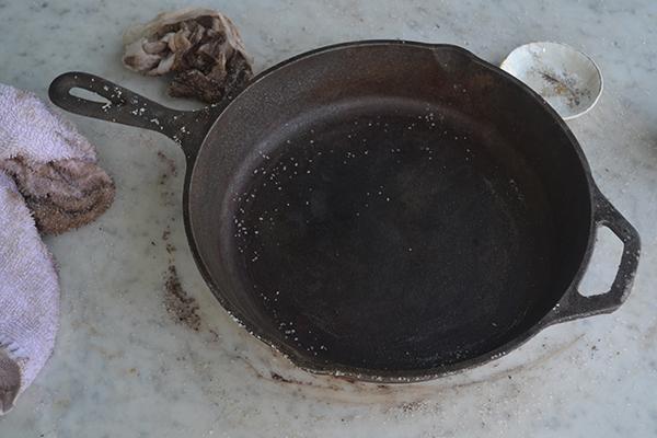 iron-skillet-salt