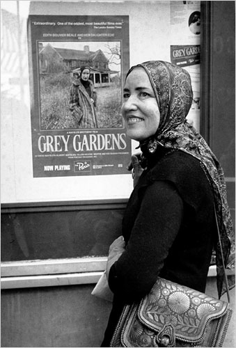 Little Edie with Grey Gardens poster | Hannah & Husband